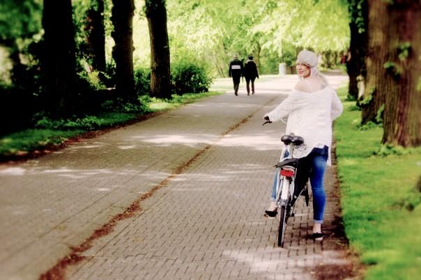 Laura op fiets